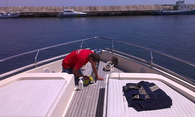 Заказать уборку яхты в Одессе