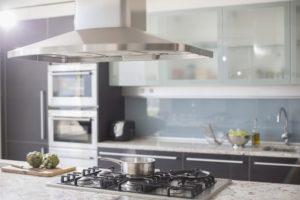 Как почистить вытяжку на кухне от жира? фото 4