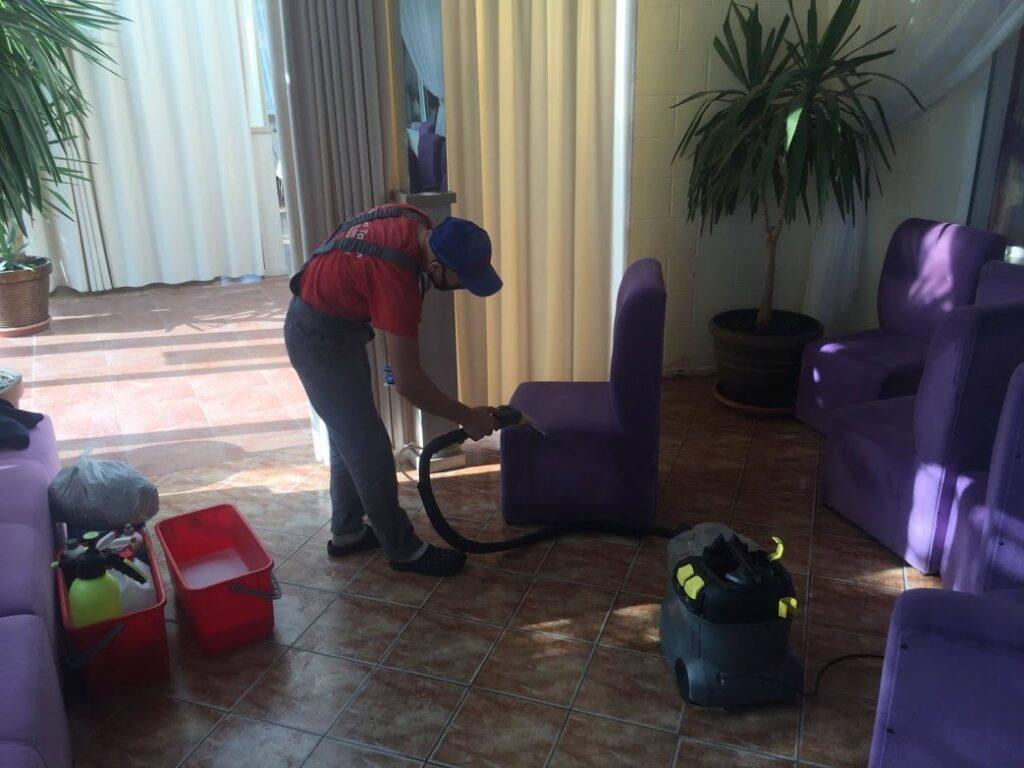 Химчистка мебели для ресторанов и гостиниц